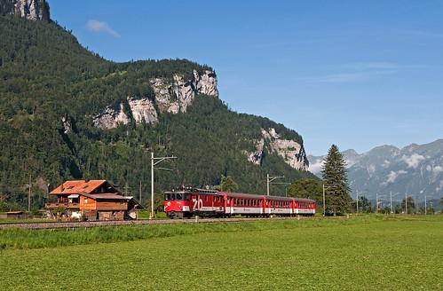 alps switzerland trains bern zb svizzera bahn alpi mau ferrovia treni brünig zentralbahn schmalspurbahn nikond90 sbbbrünig de110 r7433