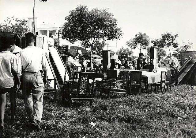 INDOCHINE. HANOI 1954 - MARCHE AUX PUCES (3)