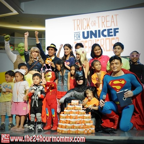 2012-10-06 trick or Treat for UNICEF (30)