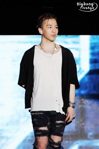 BIGBANG FM Chengdu 2016-07-03 Taeyang (4)