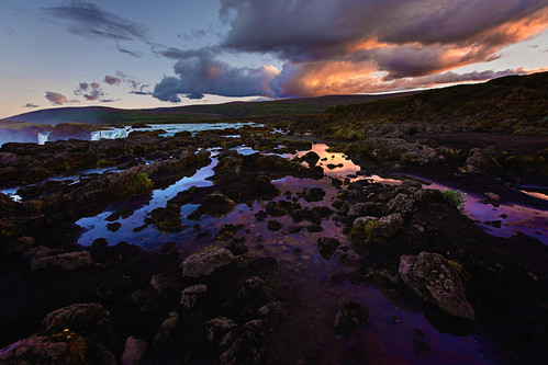 iceland island godafoss goðafoss north northern central sunset waterfall fall falls reflection mirror clouds purple sky rocks pool strea mwater bárðardalur skjálfandafljót river moss ultra wide angle 14mm travel europe nordic