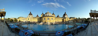 Image of Széchenyi thermal bath near Budapest XIII. kerület. pool outside bath hungary budapest thermal easterneurope szechenyi hongrie