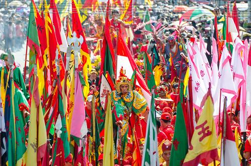 raw traditional lanternfestival tatung westkalimantan singkawang nikond7000 capgomehparade yemaria culturehappening indonesiaflags