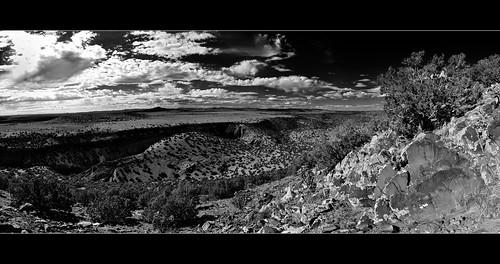 bw panorama newmexico santafe route66 cows plateau hills mesa santaferiver labajada lacieneguilla cajadelrio tetillapeak pre1932alignment