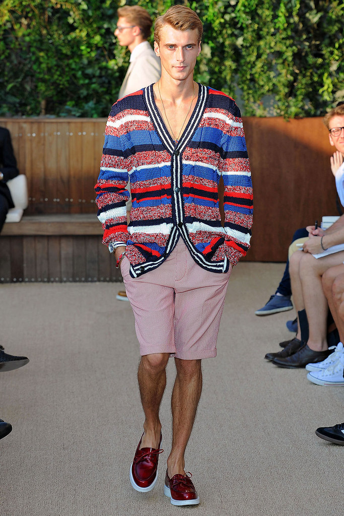SS13 NY Tommy Hilfiger006_Clement Chabernaud(VOGUE)