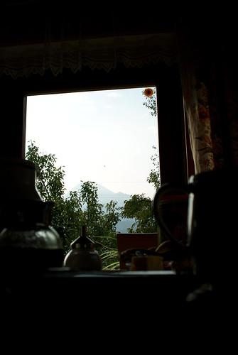 breakfast - mittagskogel im hintergrund