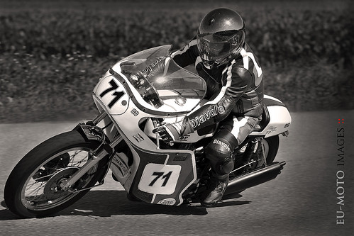 Slippery Sam Triumph classic racer motorcycle Schwanenstadt GP Austria Copyright 2012 B. Egger :: eu-moto images 1220se