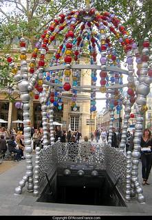 Spectacles populaires, théâtre de rue...