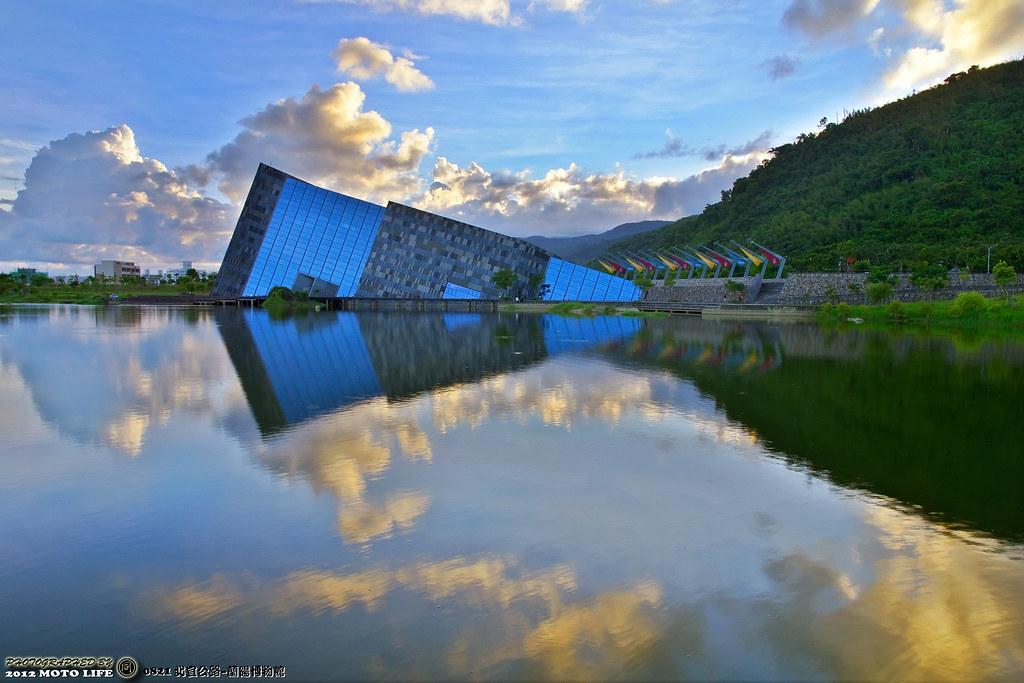 (騎車閒晃習拍) 蘭陽博物館 & 基隆河 雲彩夕照~