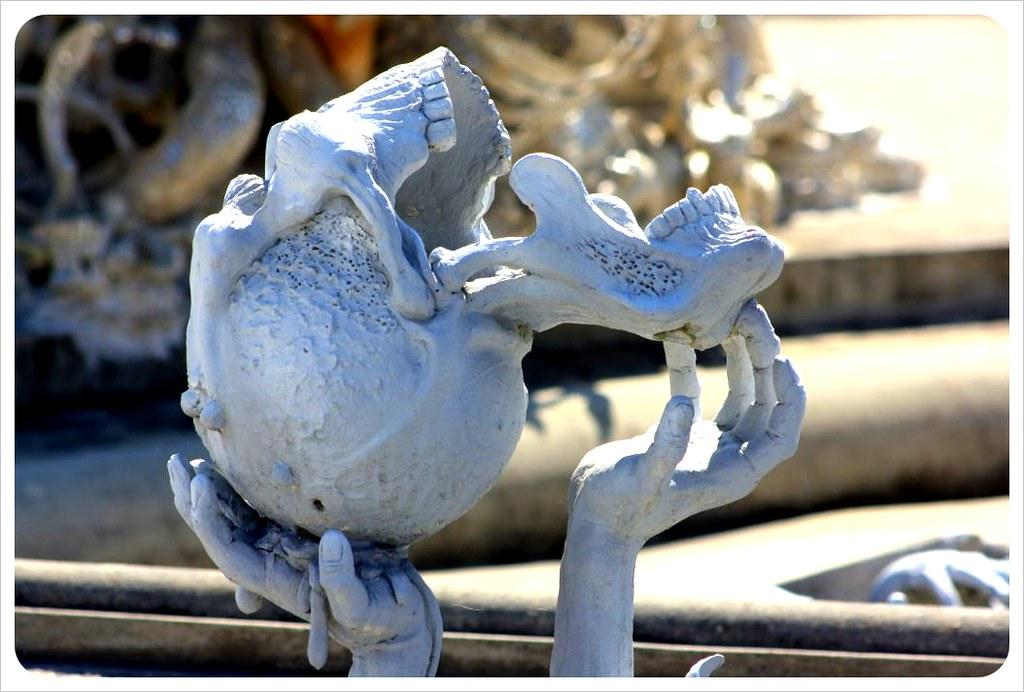 white temple skull chiang rai