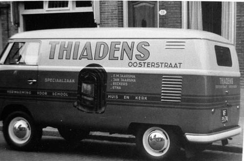 """RF-35-74 Volkswagen Transporter bestelwagen 1957 """"Thiadens"""""""