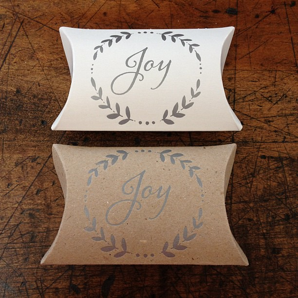 I am pretty happy with how these pillow boxes turned out with silver ink! #letterpress #favorbox #stockingstuffer