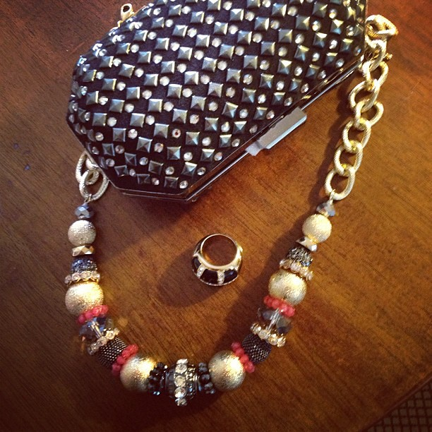 My accessories for tonight's #fashionshow in #newportbeach #setsailinstyle @fdg_events #accessories