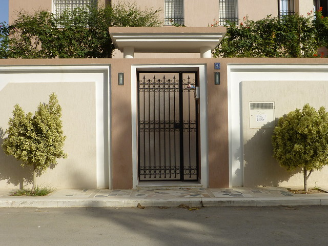 Porte ext rieure tunis flickr photo sharing for Porte entree fer forge villa