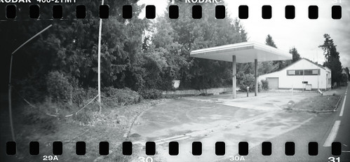 Gas Station - 04Jun12, Arcy-Sur-Cure (France)
