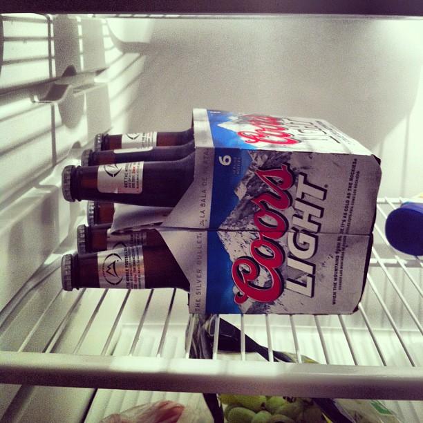 Ну и куда же без пива. Six pack всего за $9