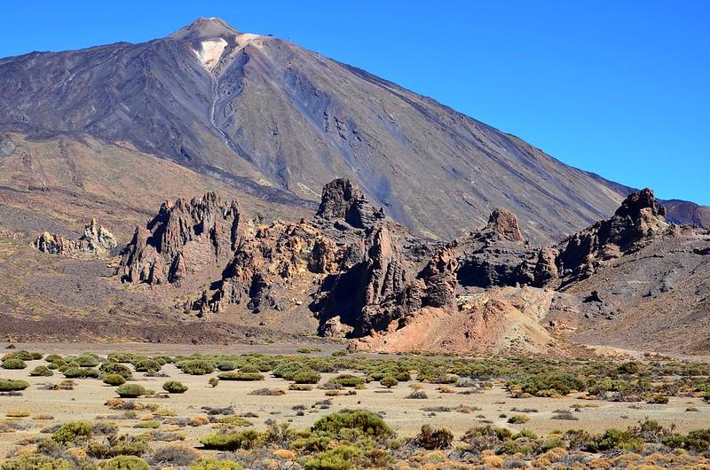 Pico del Teide (alt.3718m) & Roques de Garcia  (1)