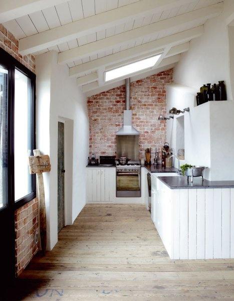 kitchenwhitebrick.jpg