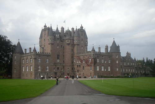 Glamis Castle close