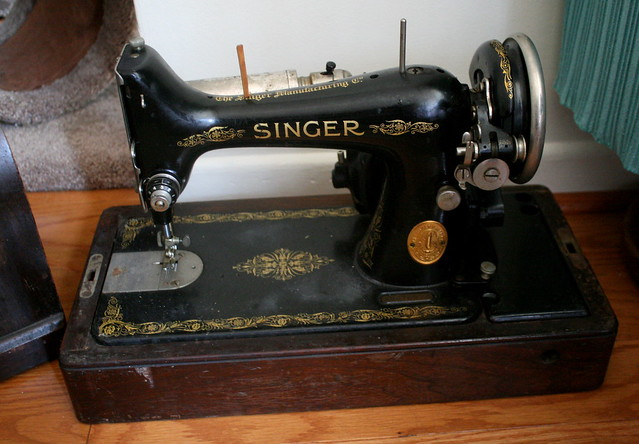 dating singer sewing machines antique