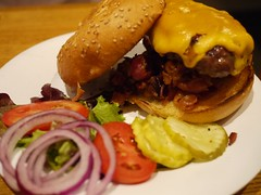 火, 2012-08-28 20:33 - Bacon Cheeseburger