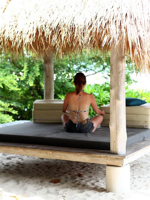 Nikoi Island: Taking a rest