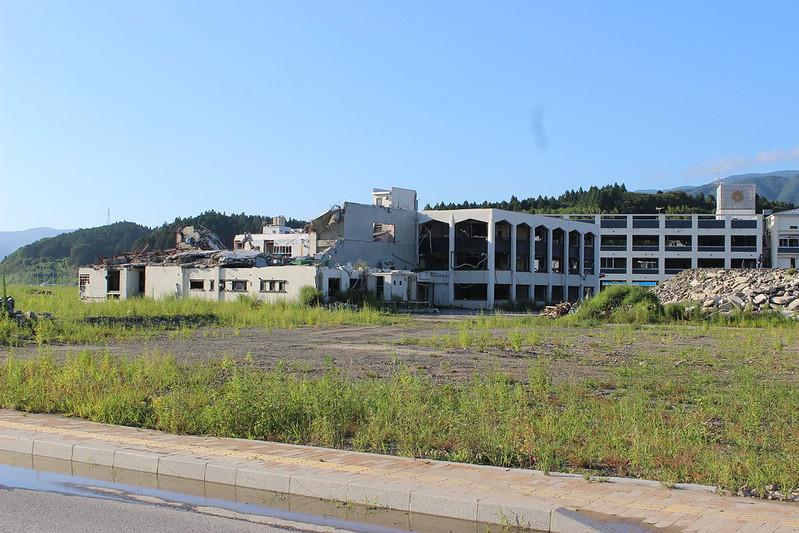壊れたショッピングセンター