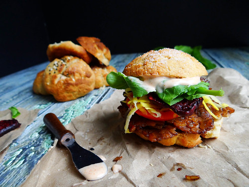 smokey tempeh sliders