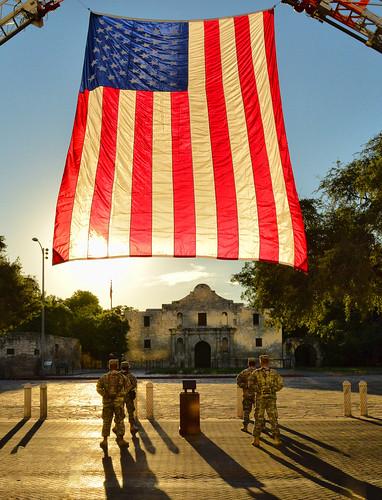 bravo unitedstatesofamerica salute 911 soldiers tribute thealamo sanantoniotexas usaflag tpslandscape gpsetest