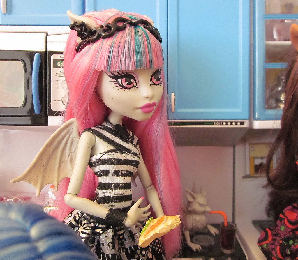 Monster High Pizza Party