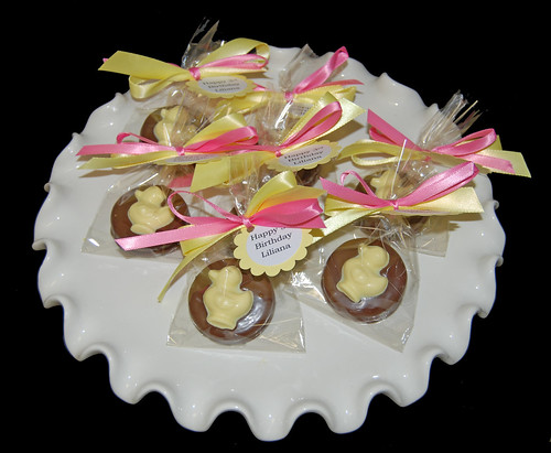 ruber duck chocolate dipped oreo birthday party favors