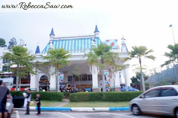 Malaysia Tourism Hunt 2012 - bukit gambang resort city-009