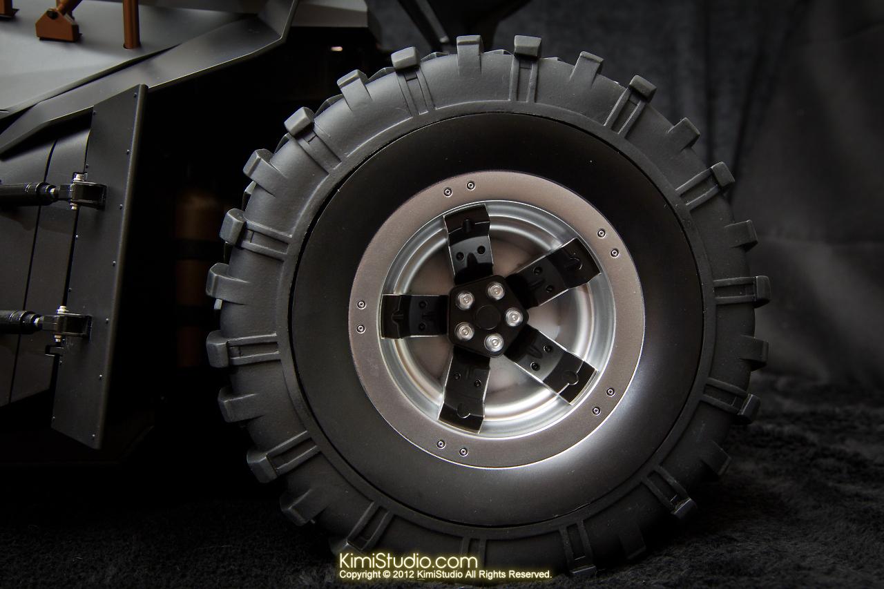 2012.09.22 MMS69 Hot Toys Batmobile-020