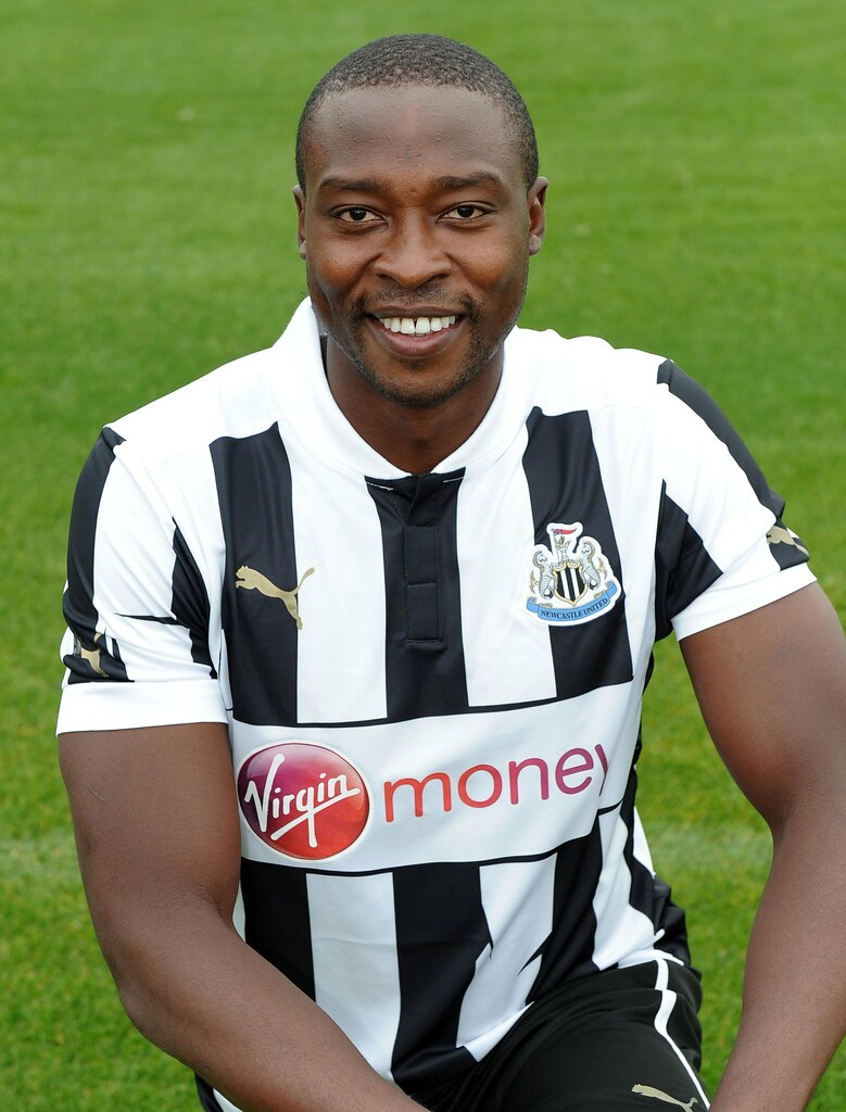The 35-year old son of father John Ameobi and mother Margaret Ameobi, 191 cm tall Shola Ameobi in 2017 photo