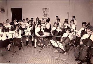 Orchestre de la classe de CM1 en 1987 de l'école à horaires aménagés Danube de Reims