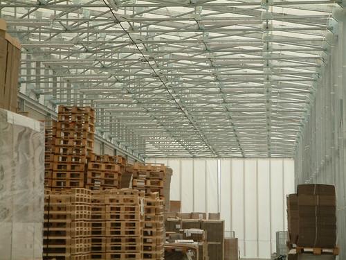 Interno magazzino realizzato con capannone modello hlt