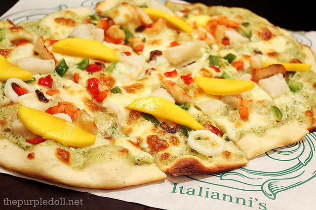 Seafood Mango Pizza P625