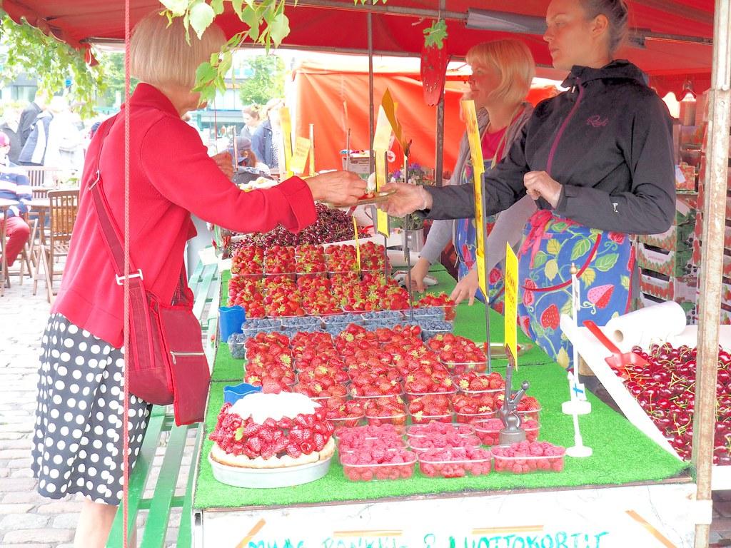 ハカニエミ市場のイチゴ2