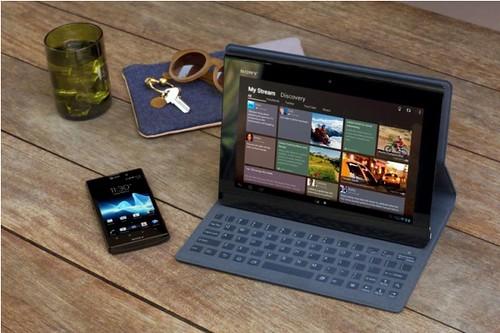 Aksesori penutup tablet yang berfungsi sebagai keyboard