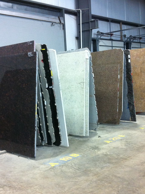 New granite kitchen island decor adventures for Granite remnant cost per square foot