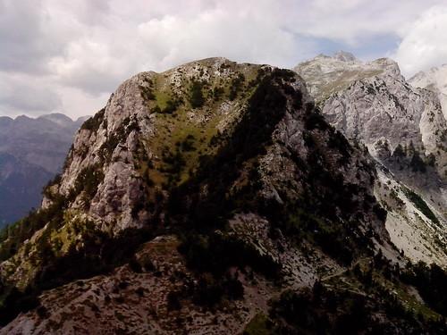 La punta di montagna by Ylbert Durishti