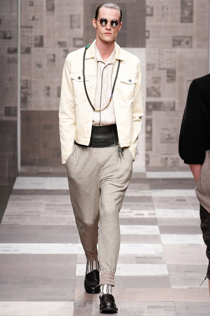 SS13 NY Robert Geller019_Matthew Hitt(VOGUE)