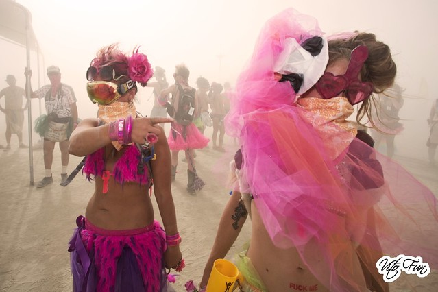 Burning Man 2012 34; Kostume Kult Girls Whiteout