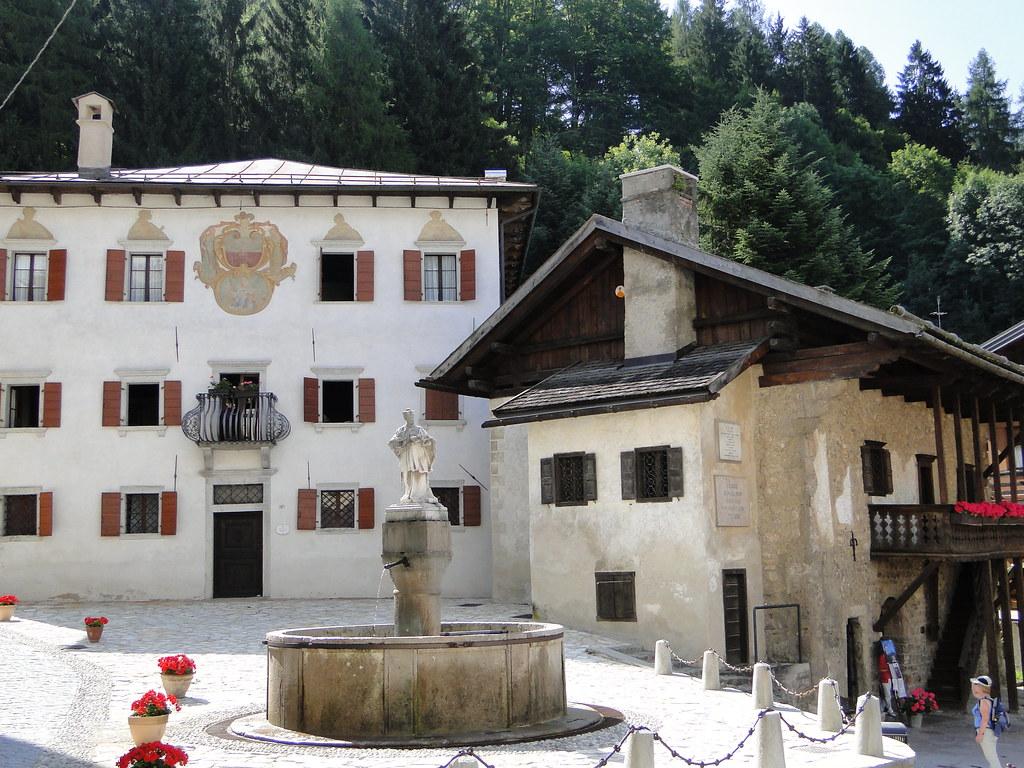 Pieve di cadore belluno italy around guides for Hotel meuble fiori