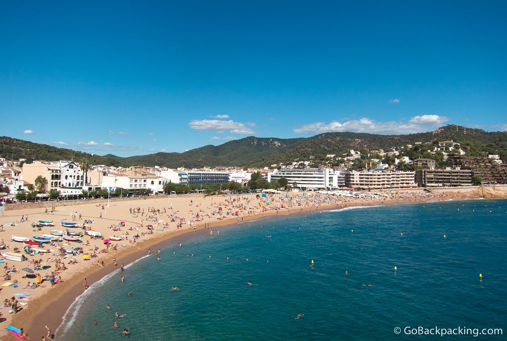 Tossa de Mar attracts vacationers well into late September