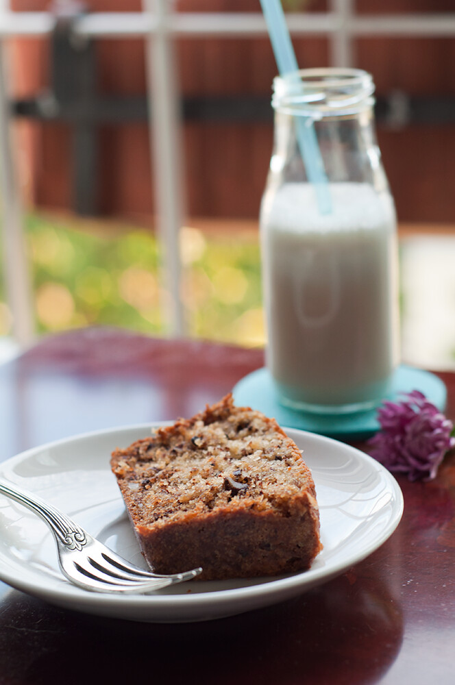 Banana & walnut cake I