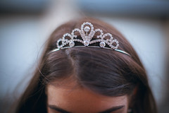 bride(0.0), veil(0.0), bridal veil(0.0), clothing(0.0), head(1.0), jewellery(1.0), headpiece(1.0), close-up(1.0), tiara(1.0), headgear(1.0),