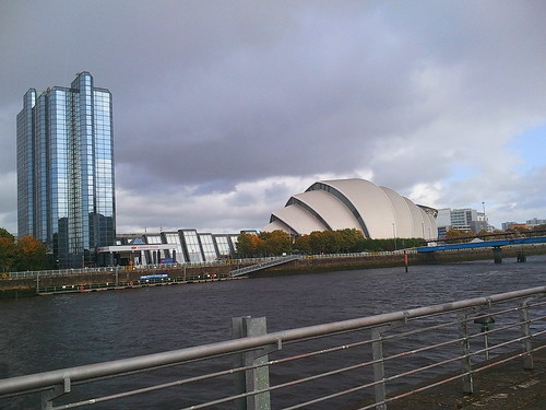 Crowne Plaza Glasgow from south bank of River Clyde