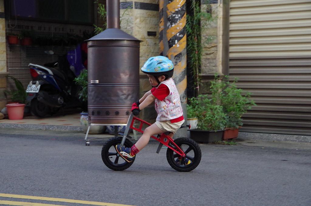 中秋前夕隨手拍 - 小子與單車