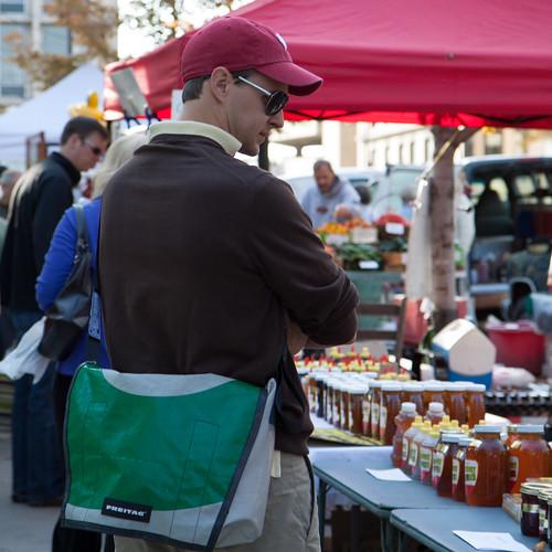 Kristoffer på Farmers Market
